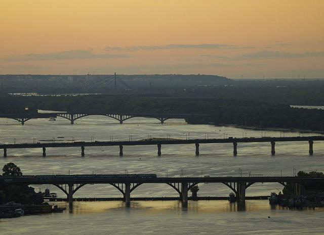 вертолетная экскурсия над днепровскими мостами