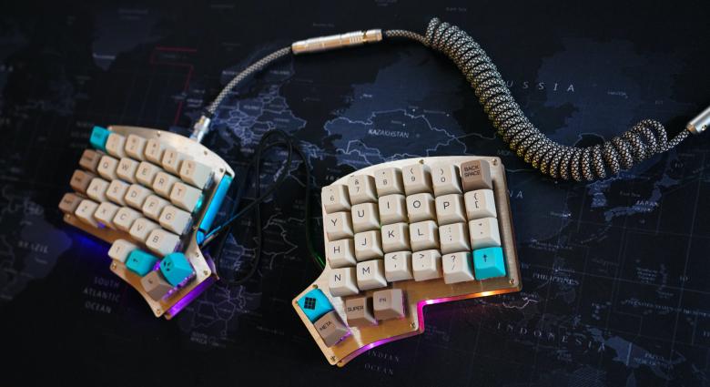 эргономичная и раскладная клавиатуры