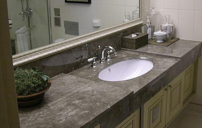 столешница в ванную из природного камня