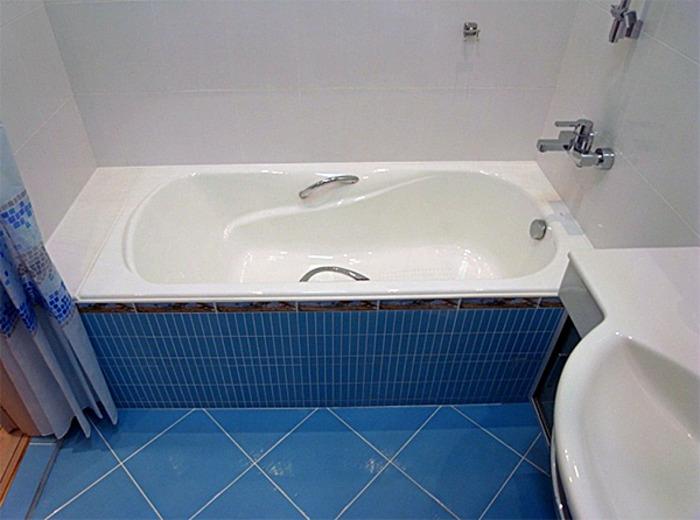 компактная ванна для небольшого помещения