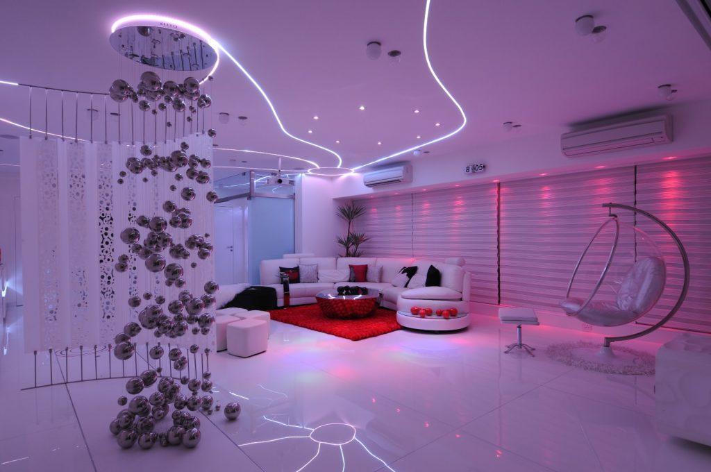 цветое освещение комнаты