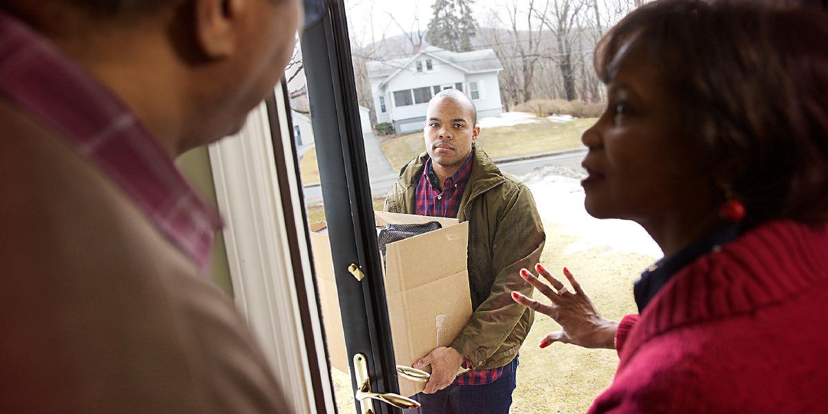 Как спокойно объяснить родителям о переезде