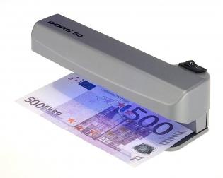 Проверяем банкноты ультрафиолетом
