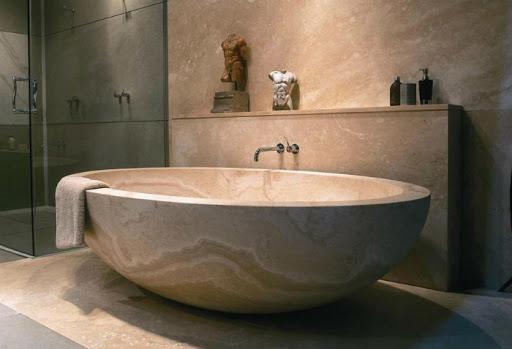 ванна из литого камня