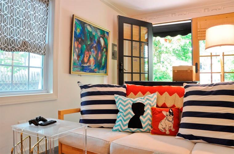 модные цветные подушки