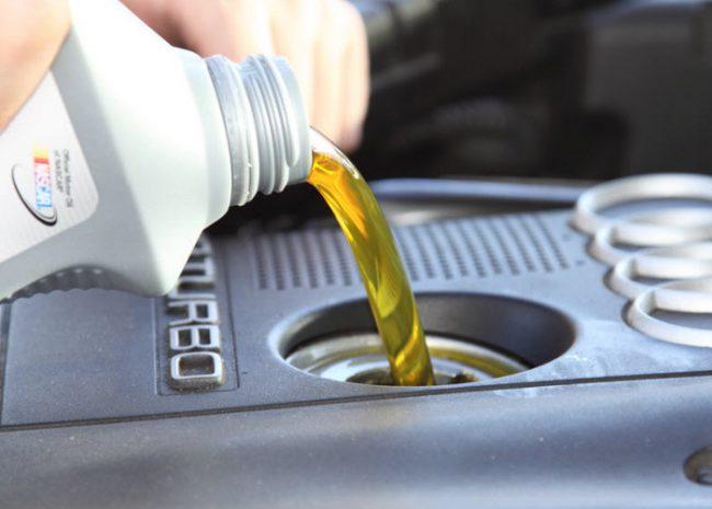 как правильно залить масло в двигатель 5w30