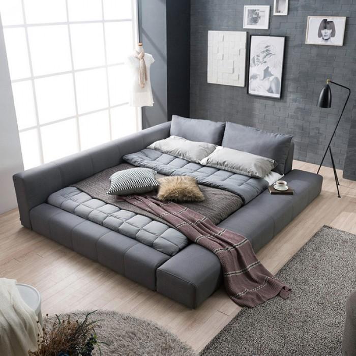 низкая кровать