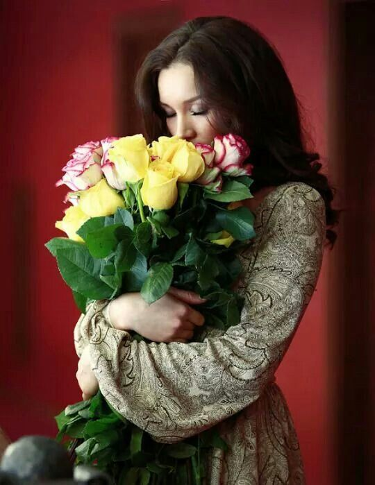 Почему женщинам нравятся цветы