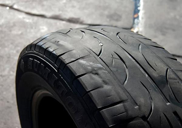 деформация шины из-за подвески